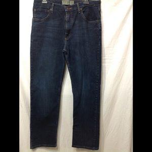 Men's size 34x30 WRANGLER Regular Fit Flex jeans